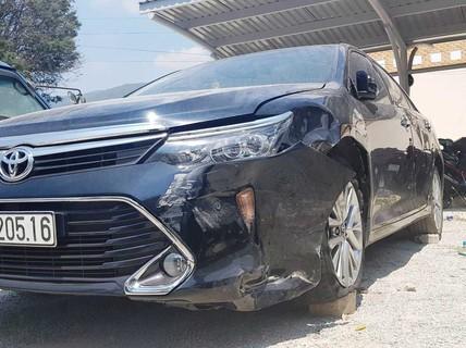 Ôtô chở cán bộ tòa án huyện gây tai nạn rồi bỏ chạy