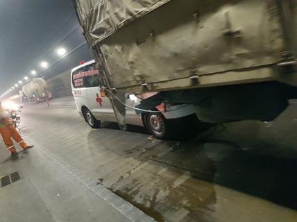 Tai nạn liên hoàn giữa 4 xe ôtô trong hầm Hải Vân