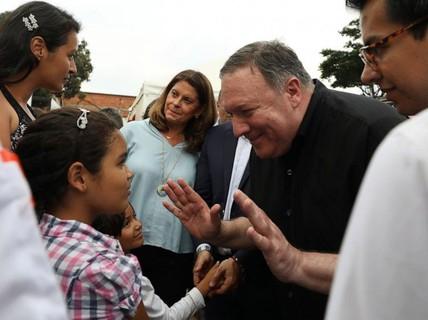 Ông Pompeo tới sát nơi lực lượng Venezuela đồn trú, thăm dân di cư