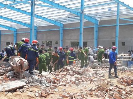 Nạn nhân thứ 7 tử vong trong vụ sập tường ở Vĩnh Long