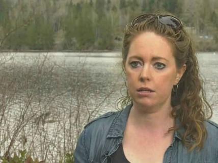 Mẹ đánh nhau với báo, cứu con trai 7 tuổi thoát chết