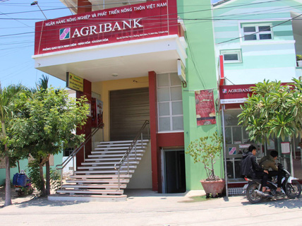 """Agribank Khánh Hòa nói gì về việc """"bốc hơi"""" hàng trăm triệu đồng của khách hàng?"""