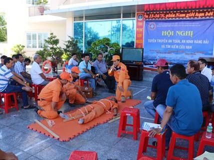 Khánh Hòa: Tập huấn cách đi biển