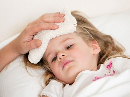 Những bệnh trẻ rất dễ mắc phải khi trời nắng nóng