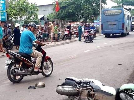 TP HCM: Xe buýt chạy sai lộ trình rồi va chạm xe máy, 1 người mất mạng