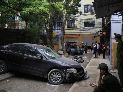 Clip: Khoảnh khắc nữ tài xế xe Camry lùi xe tông chết người đi xe máy