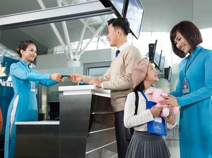 Học sinh giỏi từ cấp tỉnh, thành được tặng vé máy bay khứ hồi