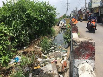 Dọn rác từ đâu? (*): Chính quyền cơ sở phải quyết liệt