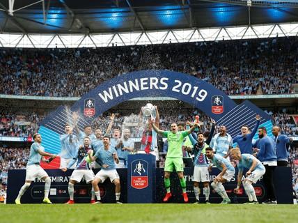 Vùi dập Watford, Man City đoạt ngôi vô địch FA Cup sau 8 năm