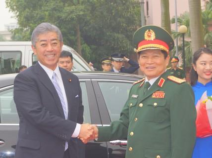 Bộ trưởng Quốc phòng Nhật Bản thăm chính thức Việt Nam