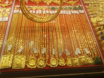 Sau lễ, giá vàng và USD giảm mạnh