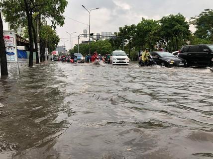 """UBND TP HCM """"siết"""" việc chống ngập ở đường Nguyễn Hữu Cảnh"""