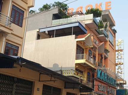 Nổ súng hỗn chiến tại quán karaoke, 1 người chết, 2 người bị thương