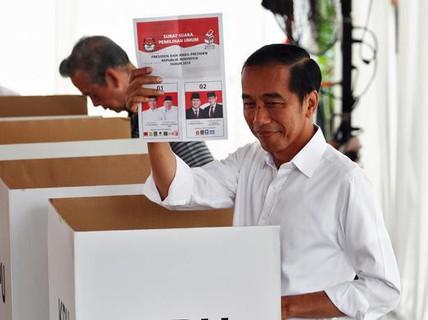 Indonesia: Tổng thống Joko Widodo tái đắc cử, đối thủ dọa châm ngòi biểu tình