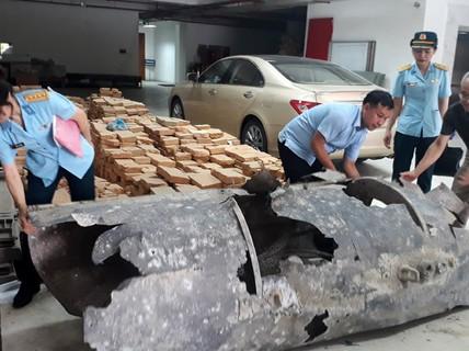 """Ngư dân Quảng Ninh 'bắt' được """"vật thể lạ"""" trên biển"""