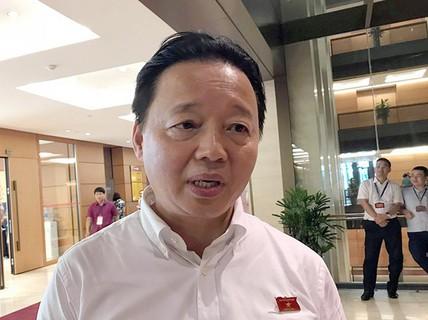 """Bộ trưởng Trần Hồng Hà nói gì về cấp dưới bị tố nhận 12 tỉ đồng """"chạy dự án""""?"""