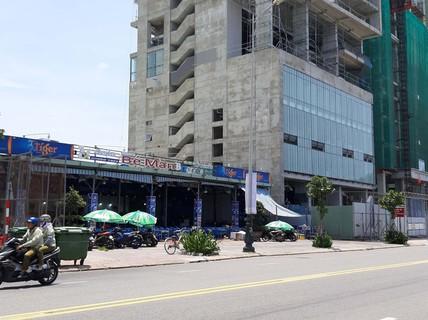 """Rầm rộ xây """"lụi"""" nhà hàng ven biển"""