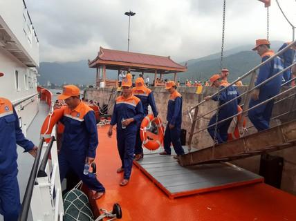 Vượt 200 hải lý cứu nạn kịp thời 52 ngư dân Quảng Nam gặp nạn trên biển