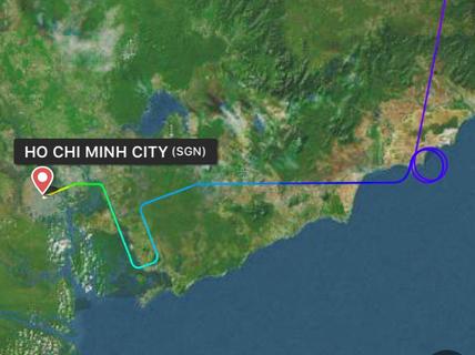 """Vietnam Airlines nói gì về việc """"hoãn chuyến chờ 1 khách"""" tại Tân Sơn Nhất?"""