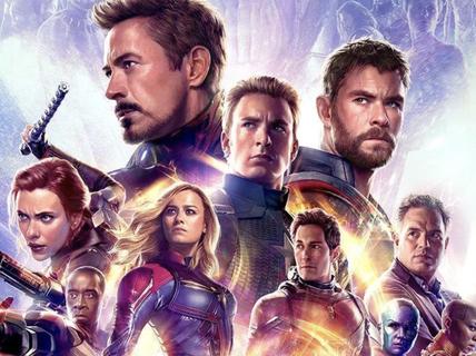"""Bom tấn """"Avengers: Endgame"""" vượt doanh thu """"Titanic"""""""