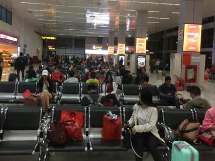 2 thanh niên nghiện ma túy vào Tân Sơn Nhất trộm đồ khách đi máy bay