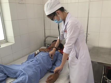 Hy hữu cứu sống bệnh nhân sốt xuất huyết, máu phun ồ ạt