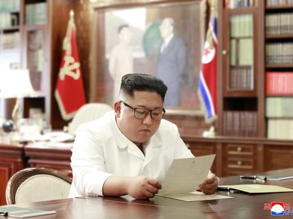 """Ông Kim """"hài lòng"""" với thư cá nhân """"tuyệt vời"""" của Tổng thống Trump"""
