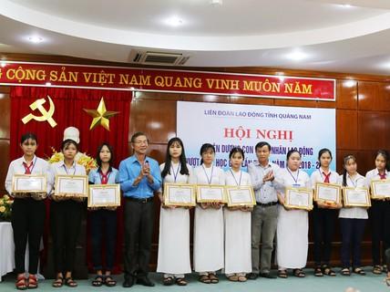 Quảng Nam: Tuyên dương con công nhân vượt khó học giỏi
