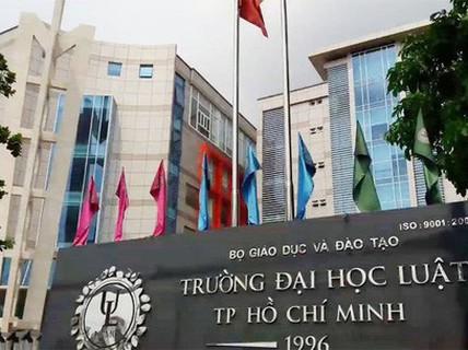 """Sóng gió ở Trường ĐH Luật TP HCM: Do """"ghế nóng"""" hiệu trưởng thiếu chủ?"""