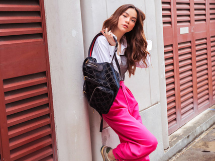 Hồ Ngọc Hà khoe thời trang đường phố lạ mắt