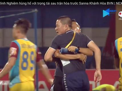 """HLV Chu Đình Nghiêm """"đòi ăn thua"""" với trọng tài"""