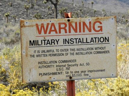 """Mỹ sẵn sàng đối đầu hơn nửa triệu """"thợ săn"""" định xông vào Vùng 51"""