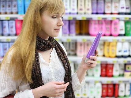 8 cách đơn giản chống rụng tóc do rối loạn tuyến giáp