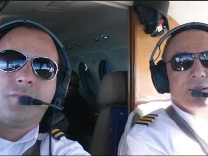 Cơ trưởng đột tử, cơ phó vội cho máy bay hạ cánh khẩn