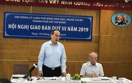 """""""Giờ vàng"""" tràn ngập hài nhảm, vắng bóng phim Việt"""