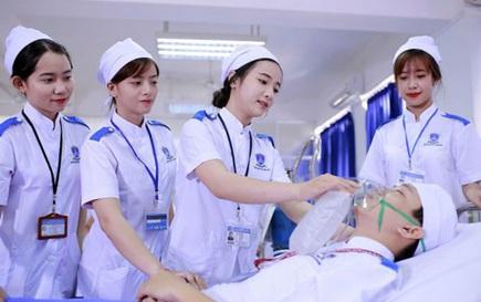 Tuyển chọn điều dưỡng, hộ lý sang Nhật Bản làm việc