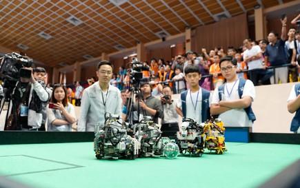 7 đội tuyển học sinh Việt Nam tranh tài cuộc thi Robot quốc tế