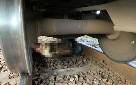 Tìm tung tích nạn nhân bị tàu lửa kéo lê hơn 20m