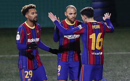 """Vắng Messi, Barcelona chật vật vượt ải """"tí hon"""" Cornella ở Cúp Nhà vua"""