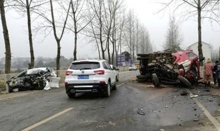 Cướp xe được 10 phút thì đâm vào xe tải tử vong
