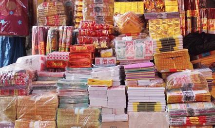 Vì sao Giáo hội Phật giáo Việt Nam khuyến nghị loại bỏ việc đốt vàng mã?