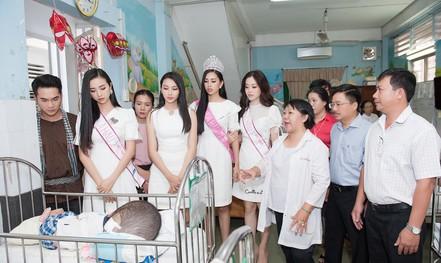 Chuyến từ thiện đầu tiên của tân hoa hậu Trần Tiểu Vy