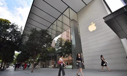 Một số người Việt đến Singapore mua iPhone bị từ chối nhập cảnh