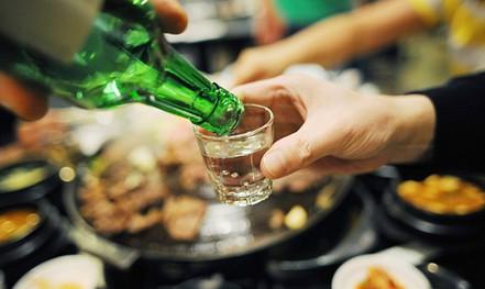 Uống rượu, bia ngày Tết có bị xử phạt?
