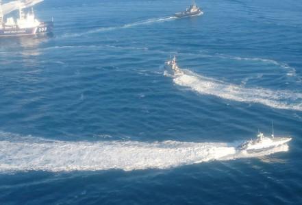 Nga bắt 3 tàu Ukraine gần bán đảo Crimea