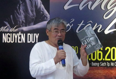Nhà thơ Nguyễn Duy: Ra đề văn thế này chưa thấy ai làm!