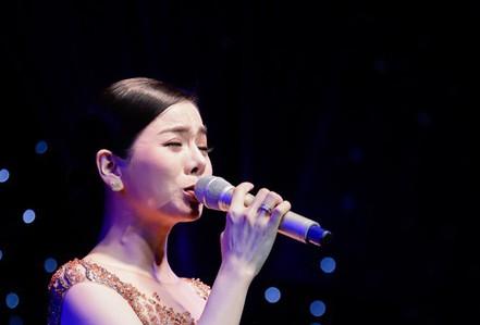 """Hai đêm """"Tình nghệ sĩ"""" quyên góp được gần 1,8 tỉ để giúp Mai Phương, Lê Bình"""