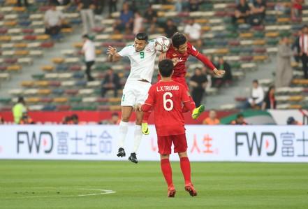 """Việt Nam - Iraq 2-3: Thua ngược bởi sức vóc và """"bóng chết"""""""