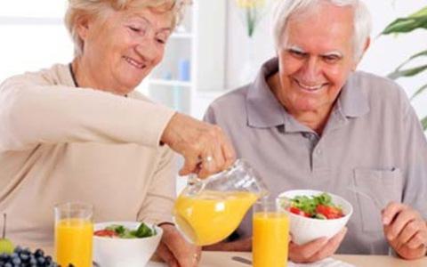 Dinh dưỡng cho người cao tuổi
