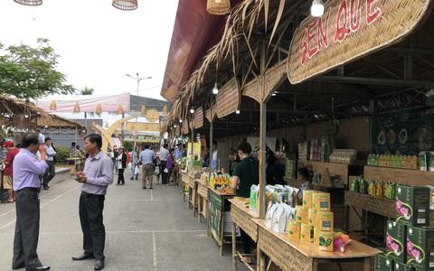 Cuối tuần đi chợ đặc sản Đồng Tháp ở siêu thị tại TP HCM